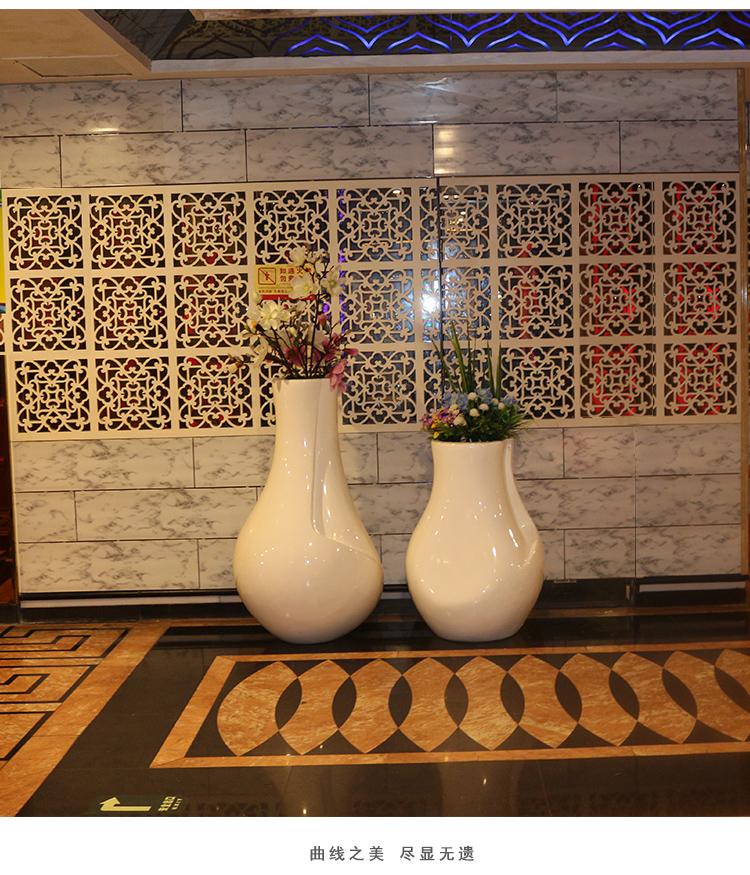 玻璃钢瓶形花盆组合