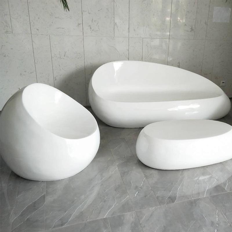 商场玻璃钢雕塑座椅有什么优势?