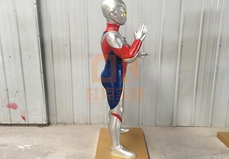 玻璃钢奥特曼雕塑