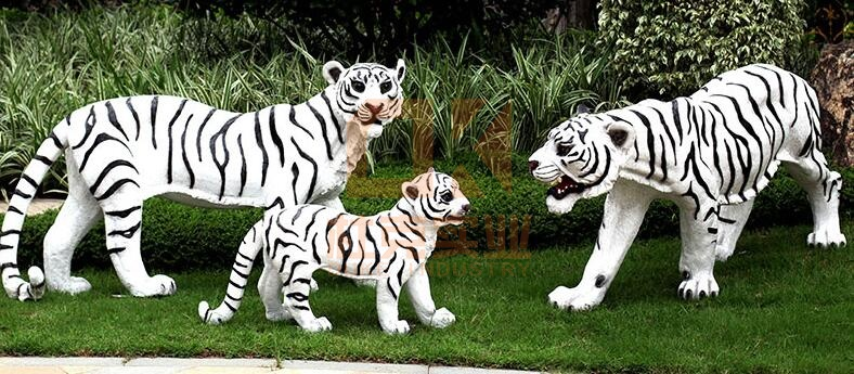 玻璃钢老虎雕塑,做融于自然的雕塑!