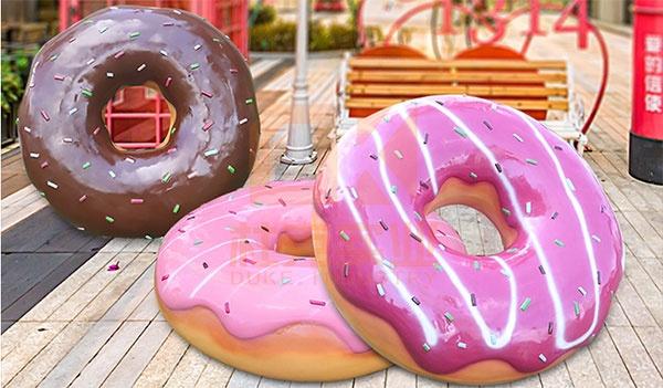 玻璃钢仿真甜甜圈雕塑,创意美陈必备产品!
