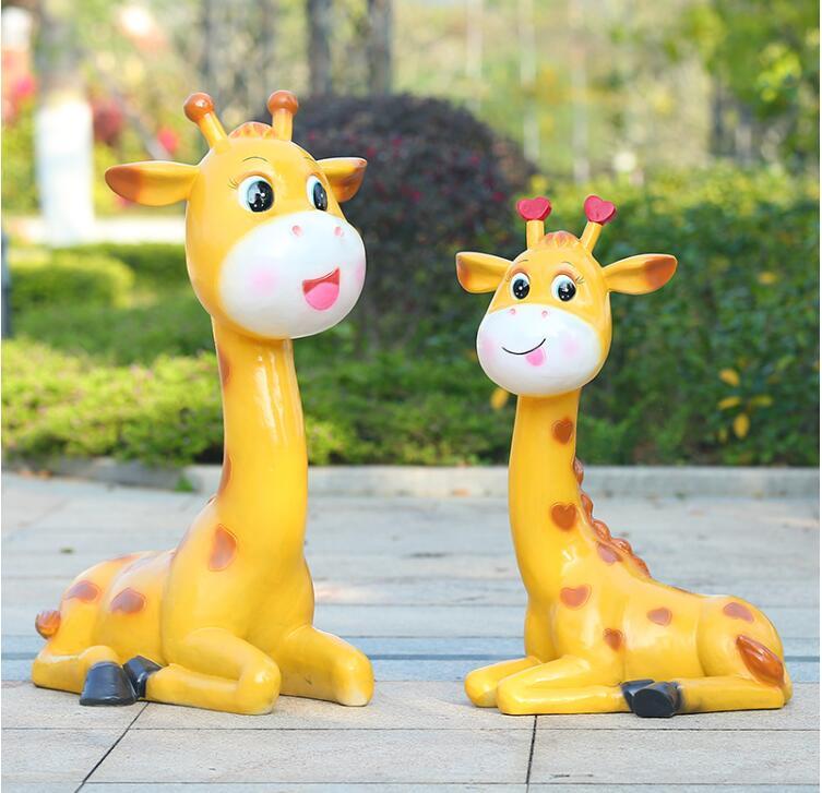 玻璃钢卡通长颈鹿雕塑,风吹日晒雨淋都不怕!