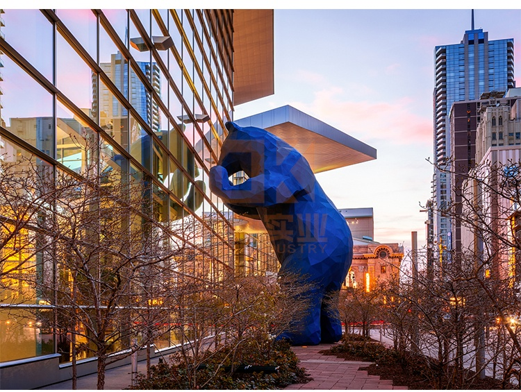 大型熊玻璃钢雕塑