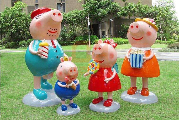 小猪佩奇玻璃钢雕塑,儿童场合、校园喜欢摆放的雕塑!