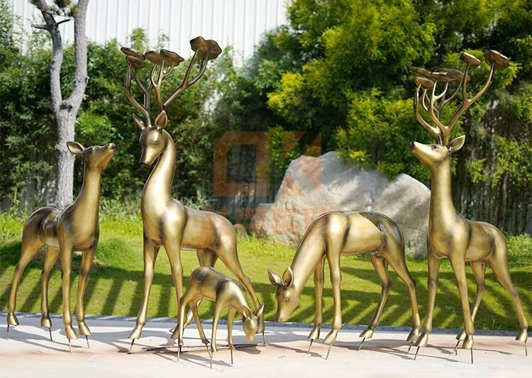 玻璃钢云朵鹿雕塑摆件,创意景观雕塑摆件!