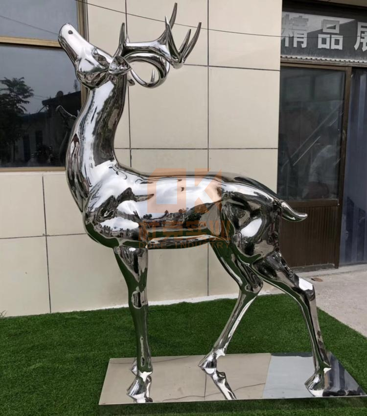 不锈钢鹿雕塑