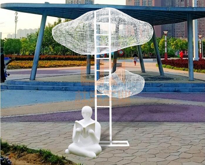 玻璃钢和不锈钢创意雕塑,镂空云朵创意雕塑!