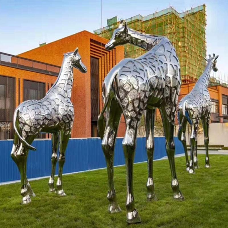 不锈钢雕塑报价,不锈钢雕塑雕塑多少钱?