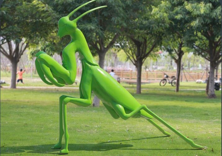 玻璃钢螳螂雕塑摆件,公园绿地小区房产摆件!