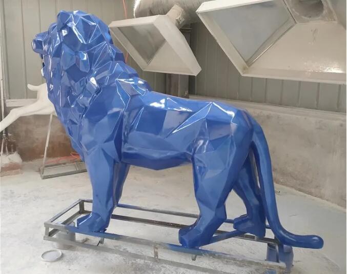 几何切面玻璃钢狮子雕塑,园林景观雕塑都选这款!