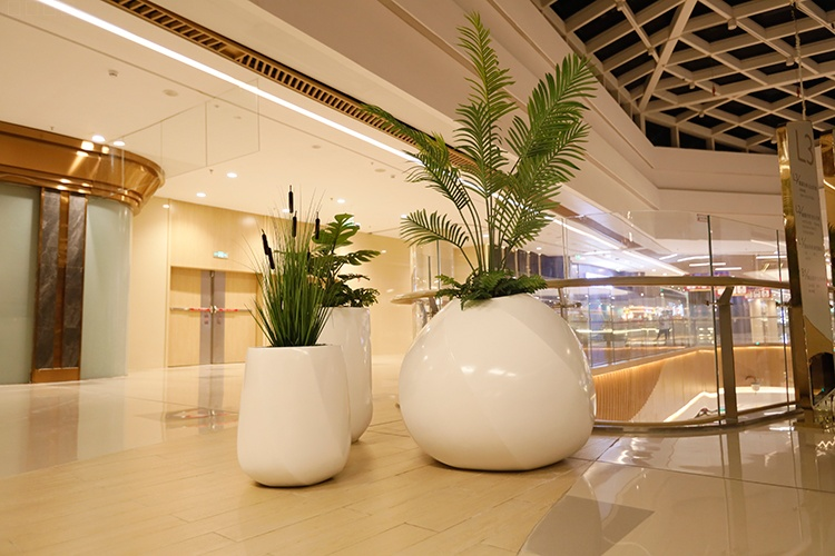 商场玻璃钢异形花钵组合